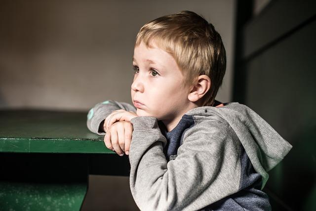 Důsledky zavřených škol: deprese, úzkosti, sebepoškozování, poruchy příjmu potravy, závislost na hrách, užívání psychotropních látek… u dětí a mladistvých