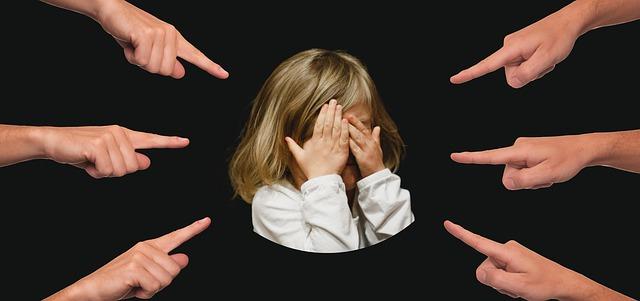 Zastavte diskriminaci a šikanu dětí ve školách!